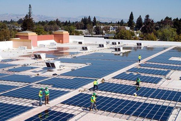 Монтаж сонячних панелей